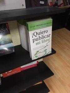Sorpresa agradable al encontrar mi libro en algunos stands.
